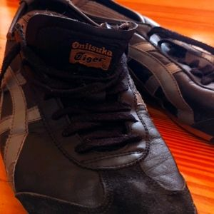Onitsuka Tiger full leather shoes.